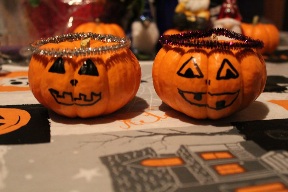 Halloween Crafts: Pumpkin Gourds