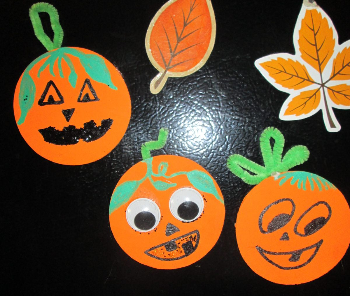 Halloween Crafts: Pumpkin Magnets
